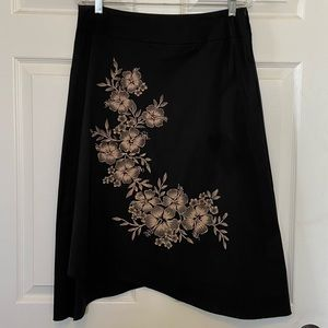 NWT flower screen printed skirt with unique hem